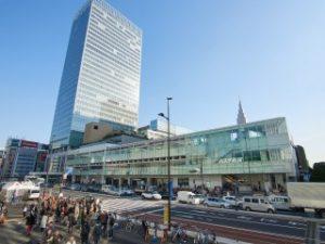 都内からだけでなく近くの県からもアクセスの良い新宿